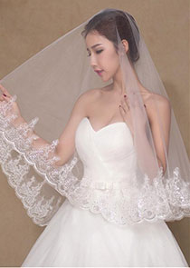 In Stock Chic Tulle Wedding Veil With Sequins Lace